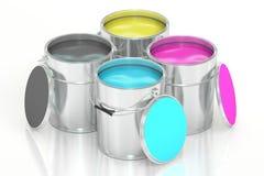 Latas com pintura da cor, conceito de CMYK rendição 3d Imagens de Stock Royalty Free