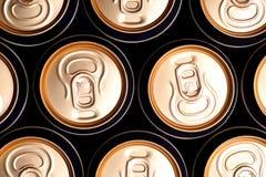 Latas da soda/cerveja Fotografia de Stock Royalty Free