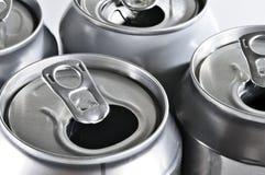 Latas de aluminio para reciclar Foto de archivo libre de regalías