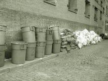Latas de basura en sepia Foto de archivo libre de regalías