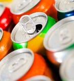 Latas de bebidas doces (ou de cerveja) foto de stock