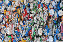 Latas de cerveza comprimidas Imagen de archivo libre de regalías