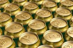 Latas de la bebida del metal con la cerveza Fotografía de archivo libre de regalías