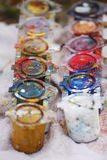 Latas de la pintura del color fotos de archivo