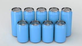 Latas de soda azules que se colocan en dos raws en el fondo blanco Imagen de archivo