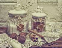 Latas para o alimento, foto na imagem do estilo antigo Imagens de Stock Royalty Free