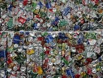 Latas recicladas foto de archivo