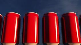 Latas vermelhas genéricas contra o céu no por do sol Refrescos ou cerveja para o partido Barra da praia rendição 3d Fotos de Stock