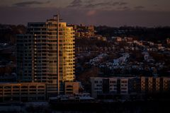 Sunset at SouthShore Tower - Newport, Kentucky royalty free stock images