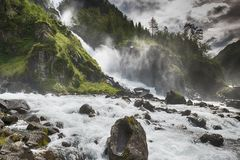 Latefossen vattenfall Norge Arkivfoton