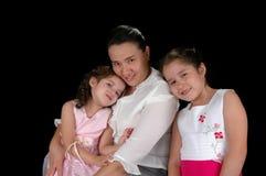 Lateinische Mutter und Töchter Lizenzfreie Stockfotos