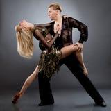 Lateinische Tänzer Stockfotos