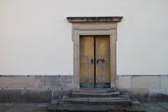 Lateral wejście kościół Święta trójca w Fulnek fotografia royalty free