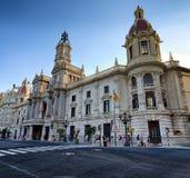 Lateral widok na budynku urząd miasta w centrum miasta Walencja, Hiszpania Zdjęcie Stock