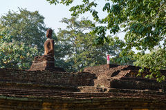 Laterite het Standbeeld van Boedha bij Wat Pra Khaeo Kamphaeng Phet-Provincie, Thailand Royalty-vrije Stock Fotografie