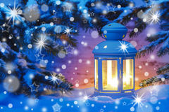 Latern stearinljus på natten Arkivbilder