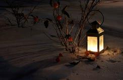 Laterne auf dem Schnee Lizenzfreie Stockfotografie