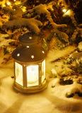Laterne auf Schnee Lizenzfreies Stockbild