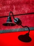 Laterne auf Wand Lizenzfreies Stockfoto