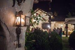 Laterne mit Kerze, Hintergrundzeremonie, Nacht Stockbilder