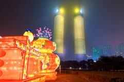 Laternen-Festival und Petronas-Doppelturm-ecke der modernen Stadtstraße Lizenzfreies Stockfoto