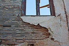 Lath e emplastro velhos na construção abandonada Fotografia de Stock Royalty Free