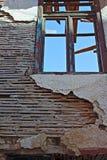 Lath e emplastro velhos na construção abandonada Foto de Stock
