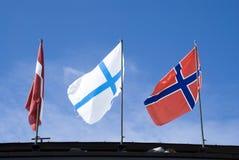 LaThuile, bandeiras no céu Imagens de Stock