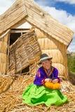 Latijnse vrouw in nationale kleren. Peru. s. Amerika stock foto
