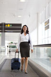 Latin businesswoman travelling Royalty Free Stock Images
