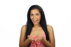 Latina adolescente hermosa con las manos ahuecadas Imágenes de archivo libres de regalías