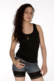 Latina assez jeune avec l'assiette Image libre de droits