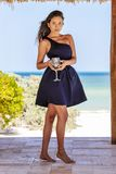 Latinamerikansk brunettmodell Enjoying en Sunny Day royaltyfria foton