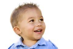 latinamerikansk pojke little som ler arkivfoto