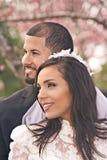 Latinamerikanska brud- par Fotografering för Bildbyråer