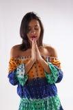 Latinamerikanskt be för flicka Fotografering för Bildbyråer