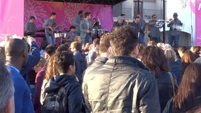 Latino Band bij het Festival van de Waterkant stock videobeelden