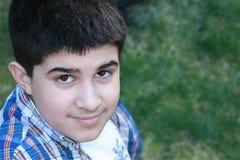 Latino cómodo adolescente Imagenes de archivo