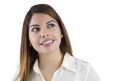 Latino-Frau, die Kamerarecht schaut Stockfotos