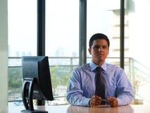 Latino Uitvoerende Venster van het Bureau van de Hoek Royalty-vrije Stock Fotografie