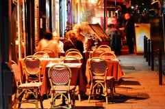 Latinsk fjärdedel av Paris vid natt Arkivbild