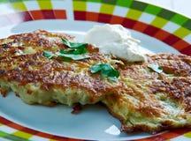 Latkes del pancake di patata Immagini Stock