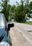 Lato all'aperto dell'automobile di vista dalla parte anteriore Fotografia Stock Libera da Diritti