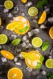 Lato cytrusa poncz z pomarańczami i wapnem Obrazy Stock