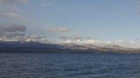 Lato del lago Escursione dell'avventura nella fine t di San Carlos de Barilochein Fotografie Stock Libere da Diritti