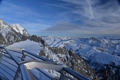 Lato del massiv di Mont Blanc, delle alpi italiane e francesi, Italia Immagini Stock Libere da Diritti