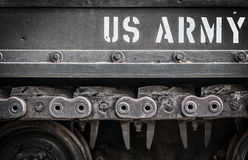 Lato del primo piano del carro armato con l'esercito americano Del testo su. Immagine Stock