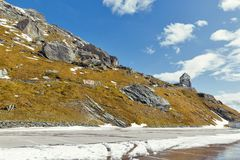 Lato della montagna con la torre di osservazione al Grossglockner in Austria Fotografia Stock Libera da Diritti