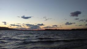 Lato della spiaggia in una tempesta del vento fotografie stock