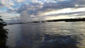 Lato dello Zambia di tramonto del fiume Zambezi Fotografia Stock